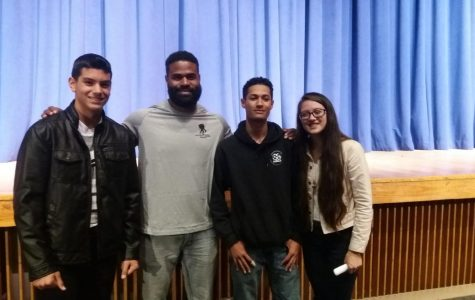 Former NFL player visits LHS as part of the FCA