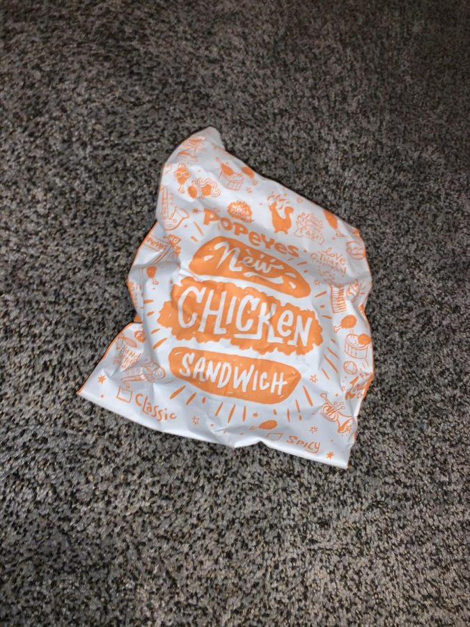 FOOD REVIEW: Is that Popeyes Chicken Sandwich Worth The Hype?